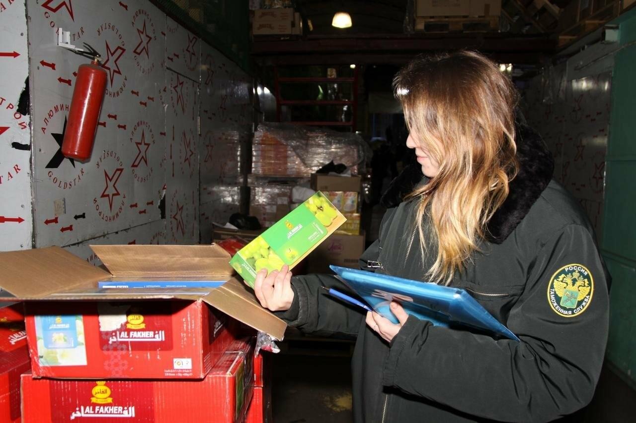 Более 700 килограмм запрещенных к ввозу овощей были обнаружены Пулковской таможней, фото-2